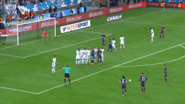 Watch But Edinson CAVANI (90' +3) / Olympique de Marseille - Paris Saint-Germain (2-2)  / 2017-18 GIF on Gfycat. Discover more All Tags, Football, L1, Match, buts, championnat, foot, france, journ, marseille, paris GIFs on Gfycat