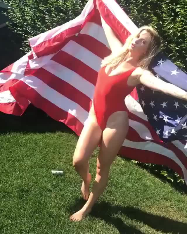 Watch and share Ireland Baldwin GIFs on Gfycat