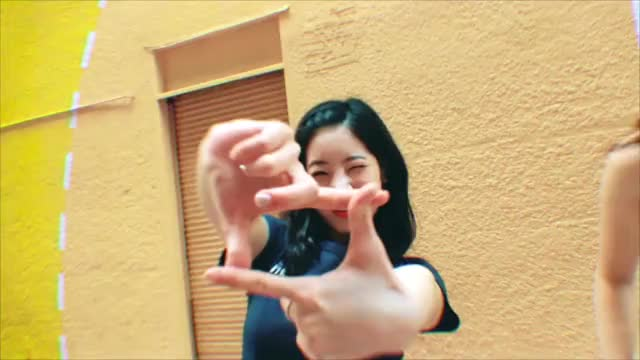 Watch and share Dahyun GIFs by Jer on Gfycat