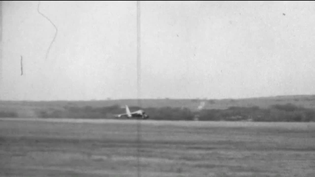 WarplaneGfys, warplanegfys, B-58 Emergency Landing at Carswell AFB, Fort Worth. 10 September 1964. (reddit) GIFs