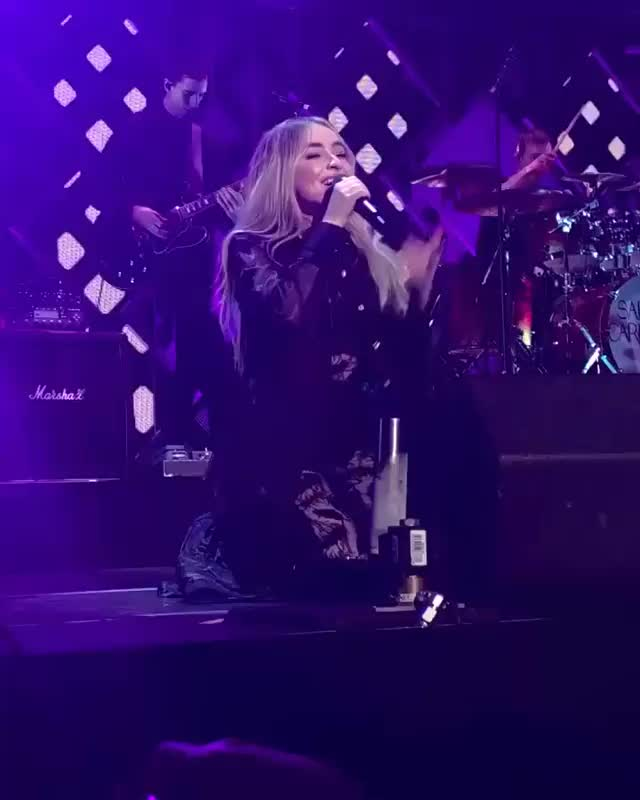 SingularAct1, carpenters, jingleball, queenbri, sabrinacarpenter, wiktoria🇵🇱17, did I ever mention that I missed her performances??? thats why! GIFs