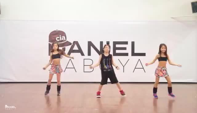 Watch and share Bom - Ludmilla | Especial Dia Das Crianças | Cia. Daniel Saboya (Coreografia) GIFs on Gfycat