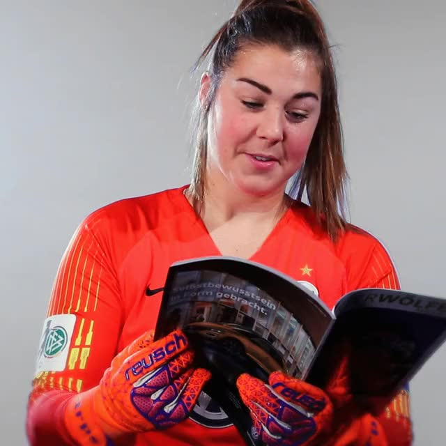 Watch and share 27 Read2 GIFs by VfL Wolfsburg on Gfycat