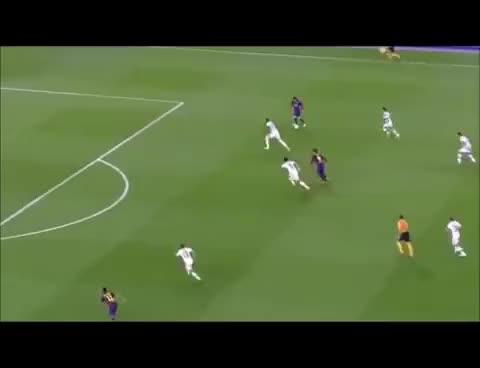 Watch and share Messi-Espectacular Gol Al Bayern(Relato Emocionante De Jorge Ramos) GIFs on Gfycat
