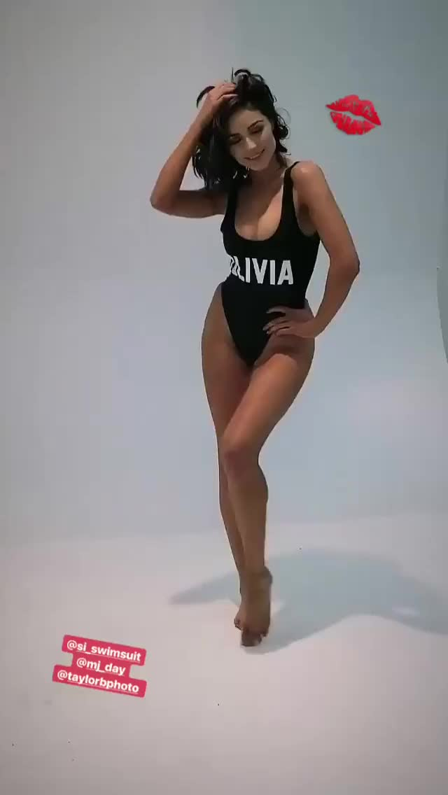 Watch and share Olivia Culpo GIFs by Celebs Unmasked on Gfycat