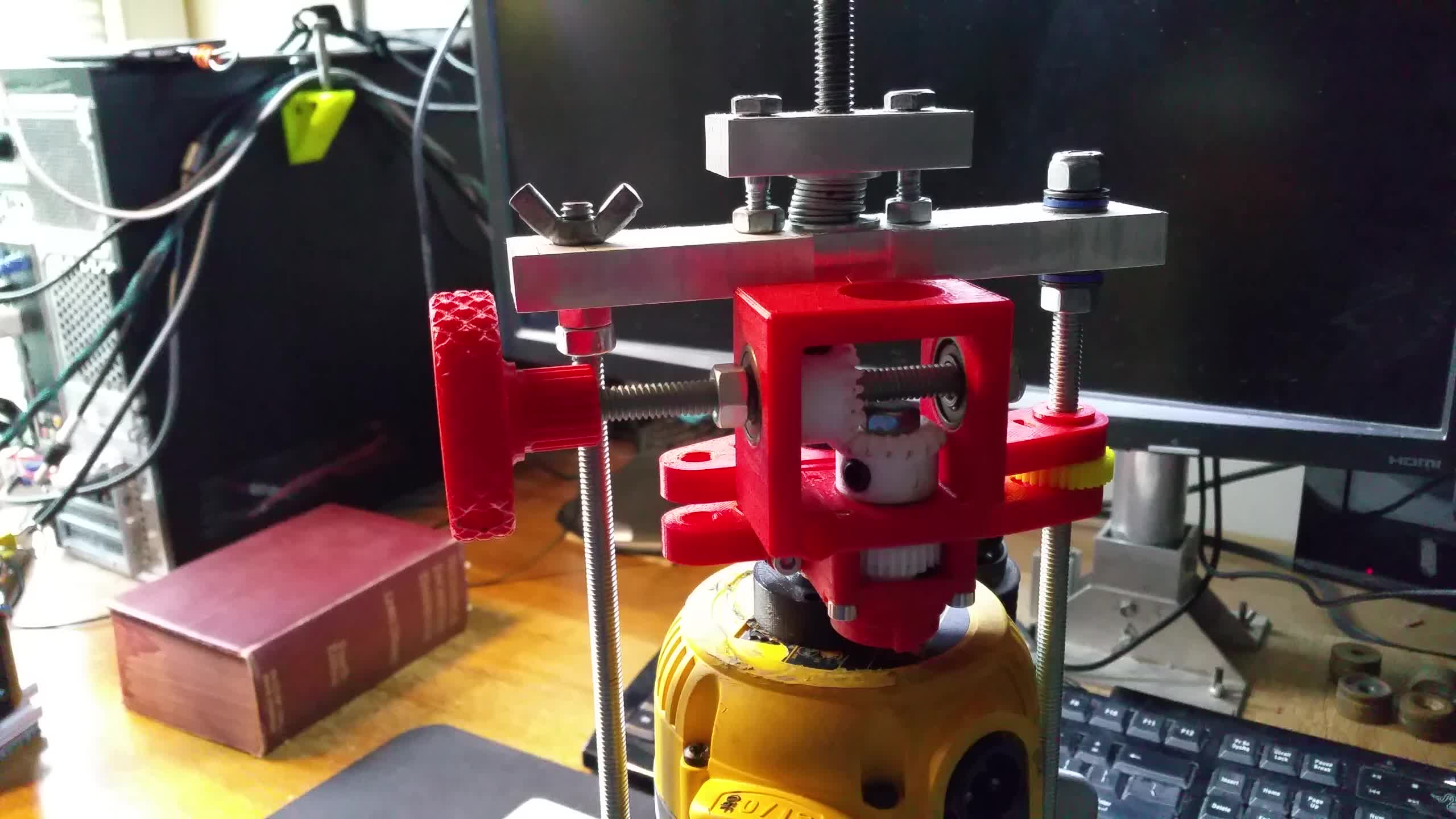 3dprinting, 3D Printed Dewalt 618 Router Lift Mechanism GIFs