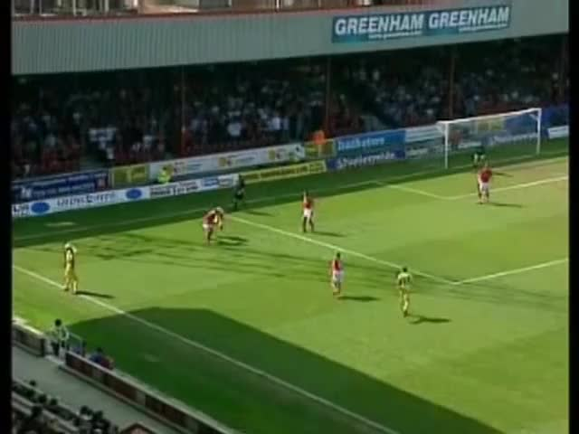 Watch 2004-04-24 Swindon Town vs Oldham Athletic GIF on Gfycat. Discover more oldham athletic a.f.c. (football team), swindon town f.c. (football team) GIFs on Gfycat