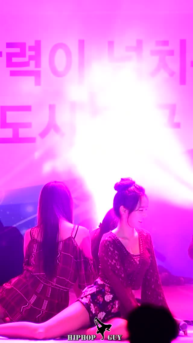 Watch and share 161118 계명대학교 체육인 행사 스텔라(STELLAR) 전율 - 마리오네트(Marionette) [직캠 Fancam] By 힙합가이 GIFs by muffinunnie on Gfycat