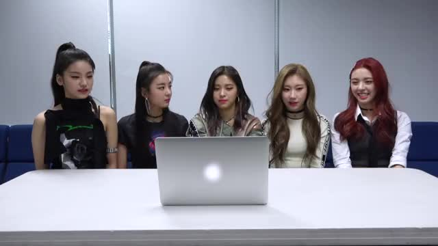 Watch and share Itzy Reality GIFs and Itzy Video GIFs by feylord on Gfycat