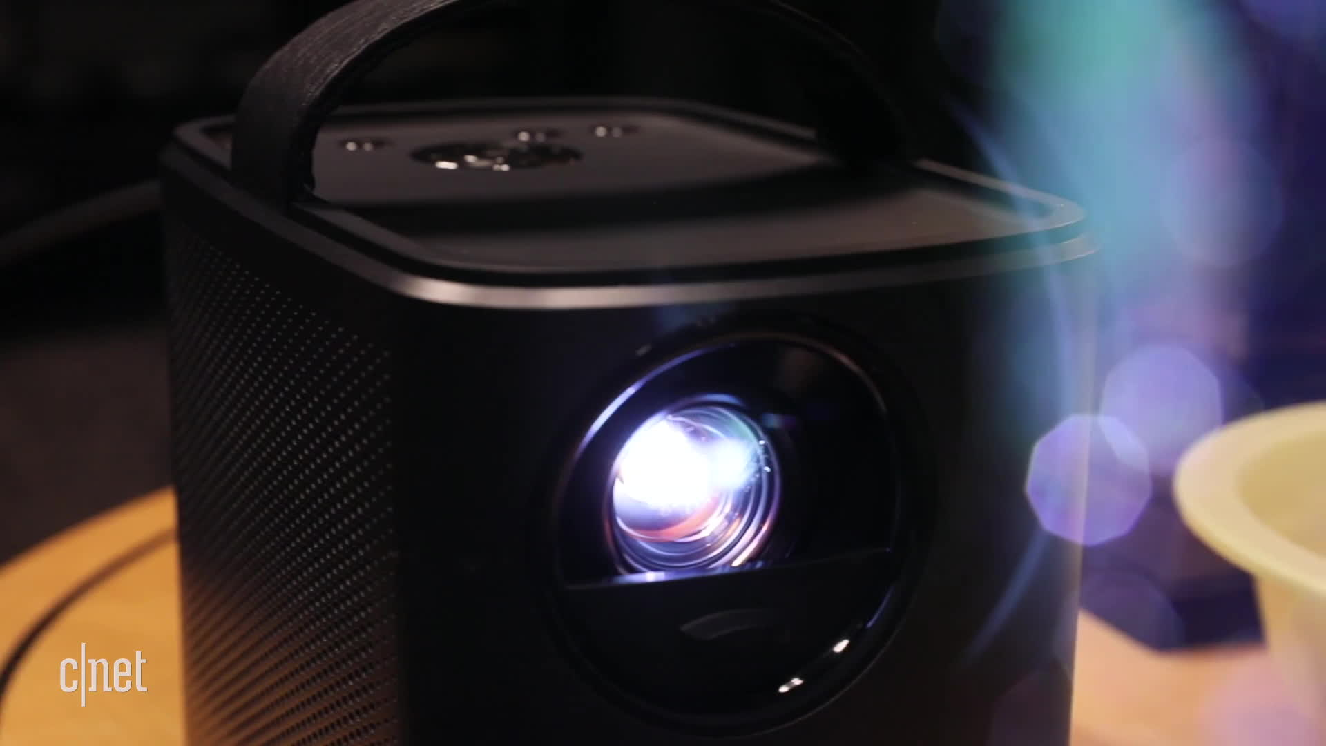 cnet first look, david carnoy, projectors, Nebula Mars is a home cinema in a lunch box GIFs