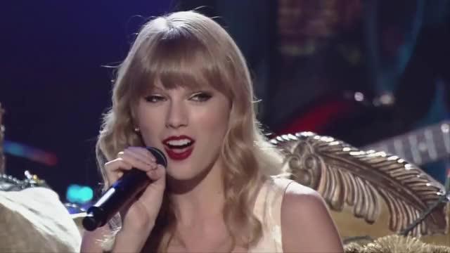Storyteller 2012 - Taylor Swift - Love Story