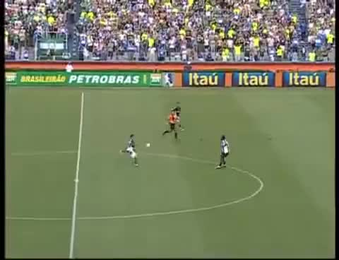 Watch and share DIEGO SOUZA Do Meio De Campo!!ESPETACULAR Gol Do Palmeiras Contra O Atlético -MG GIFs on Gfycat