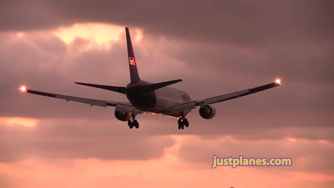 aviationgifs, SAN DIEGO by justplanes.com (reddit) GIFs
