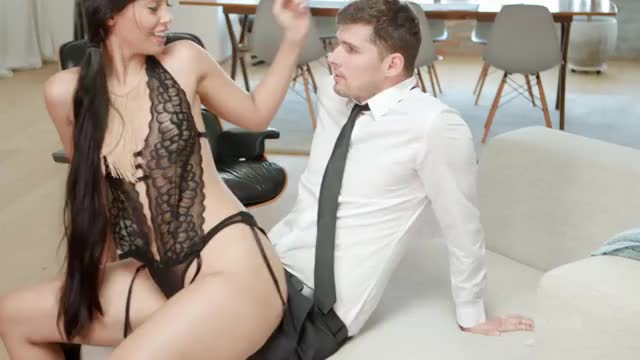 andreina Deluxe cant handle a good pounding
