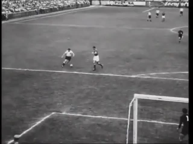 Watch Schweiz Suisse 1954 GIF on Gfycat. Discover more 1954 FIFA World Cup (Event), Barbosa Fútbol Videos, FIFA World Cup (Football Competition), Ferenc Puskás (Football Player), Fritz Walter (Football Player), Germany National Football Team (Football Team), Hungary National Football Team (Football Team), Sports, Switzerland (Country), soccer GIFs on Gfycat