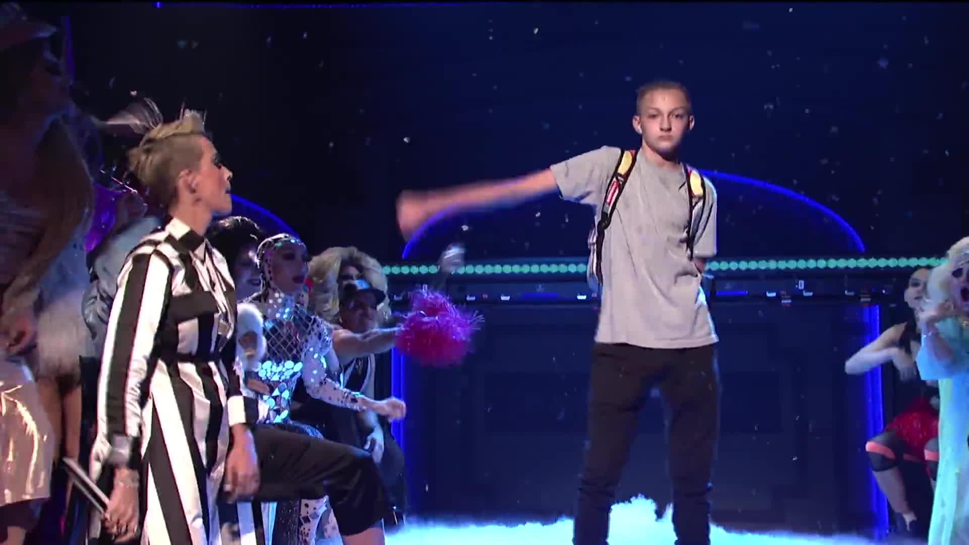Thầy trò Lukkade giành quán quân The Face Men nhờ vũ đạo chiến thắng của Katy Perry?