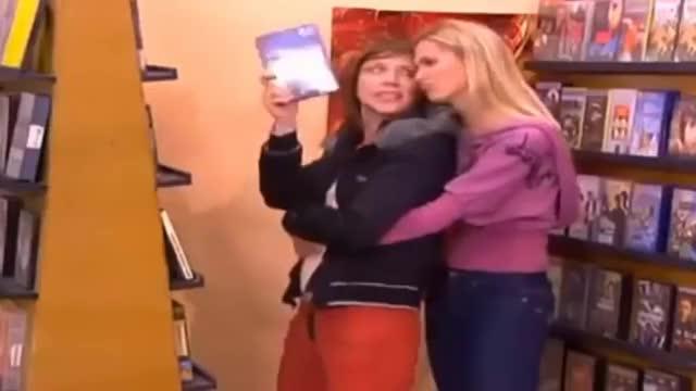Watch and share ANHQV 4x04 Bea Y Ana En El Videoclub GIFs on Gfycat