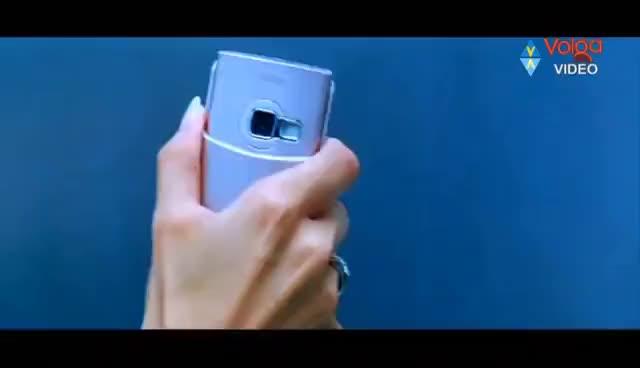 Watch and share Bunny, Kajal Aggarwal Lip Lock - Aarya 2 GIFs on Gfycat