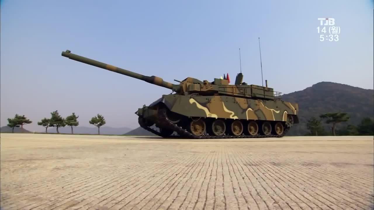 BatmanArkham, battlefield_4, South Korean K-2 Black Panther MBT live fire demonstration (reddit) GIFs