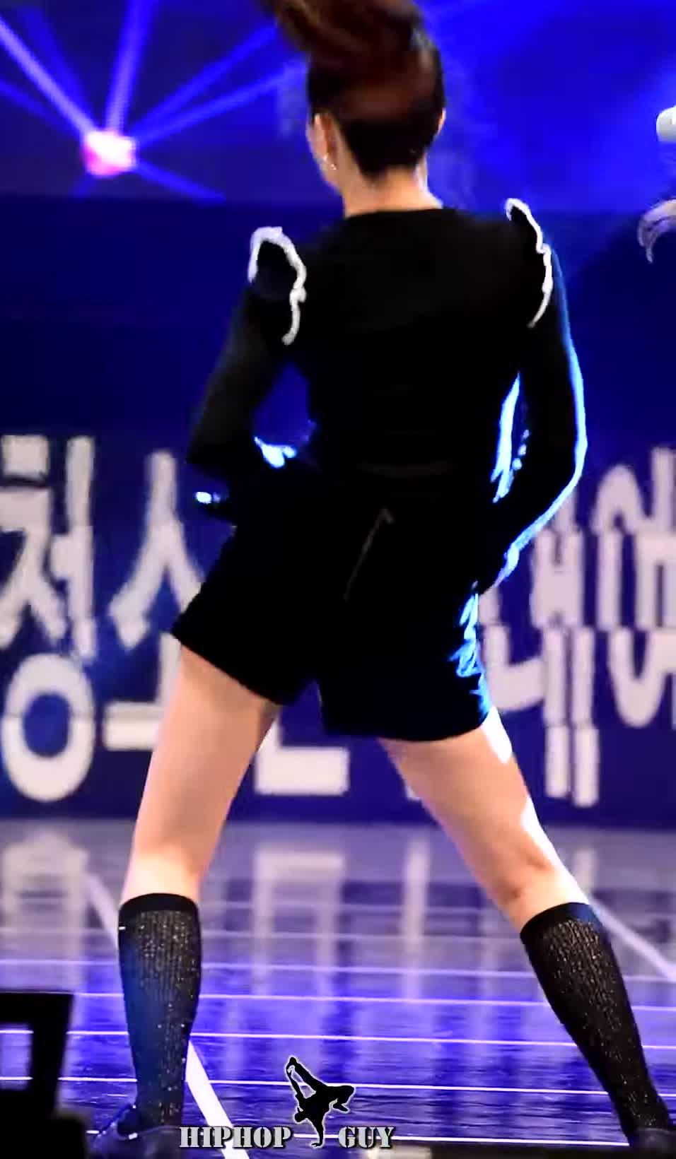 슬기, Red Velvet Seulgi's Cute Socks Lead GFY GIFs