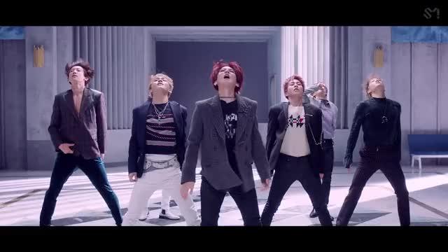 Watch EXO 엑소 'Love Shot' MV GIF on Gfycat. Discover more BAEKHYUN, CHANYEOL, CHEN, D.O., EXO, KAI, LAY, SEHUN, SUHO, XIUMIN GIFs on Gfycat