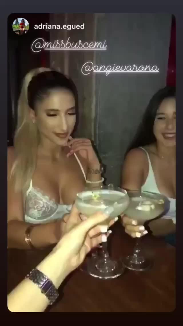 angievarona 2019-03-17 05:26:39.248 GIFs