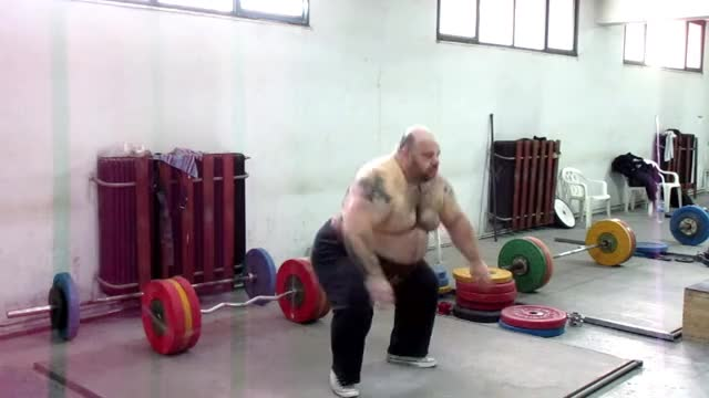 Watch and share EXPLOSIVE POWER 30X200KG GIFs on Gfycat