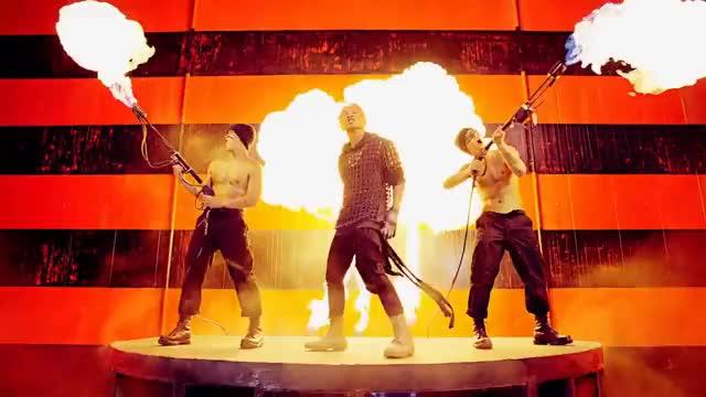 Watch BIGBANG - 뱅뱅뱅 (BANG BANG BANG) M/V GIF on Gfycat. Discover more All Tags, BigbangMade, bangbangbang, bigbang, idol, k-pop, kpo, kpop, made, madeseriesa GIFs on Gfycat
