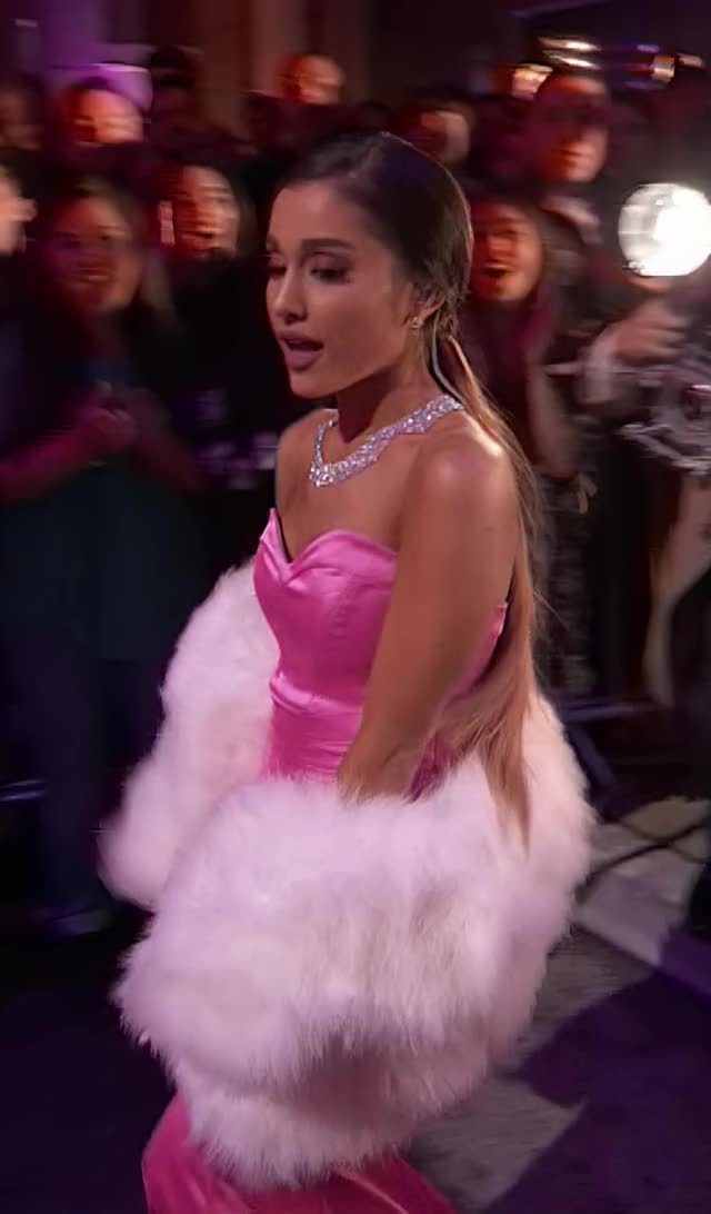 Watch and share 04-09-2016-MTVMADWHD1 GIFs by 😍 Ariana Grande Devotee 😍 on Gfycat