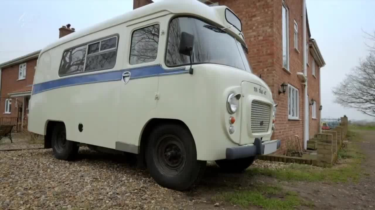 skoolies, tinyhouses, GIFs - Restored Ambulance to sleep 6 people (reddit) GIFs