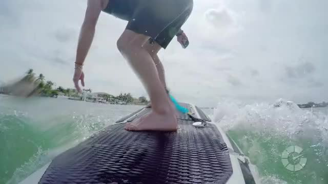 Watch Jonathan Buckley rides the Radinn Wakejet | Translogic 201 GIF by Autoblog (@autoblog) on Gfycat. Discover more Jonathan Buckley, autoblog, car, electric surfboard, radinn, radinn wakejet, surf, surfing, translogic GIFs on Gfycat
