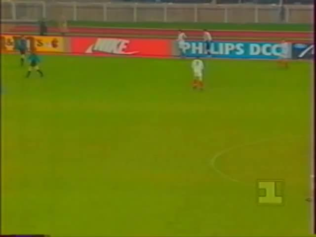 Watch and share ЦСКА Москва - Брюгге 1:2. Лига Чемпионов 1992/93 - Группа A GIFs by codfo18 on Gfycat