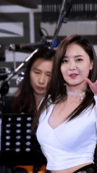 Watch and share V넥 흰티 우희 GIFs on Gfycat