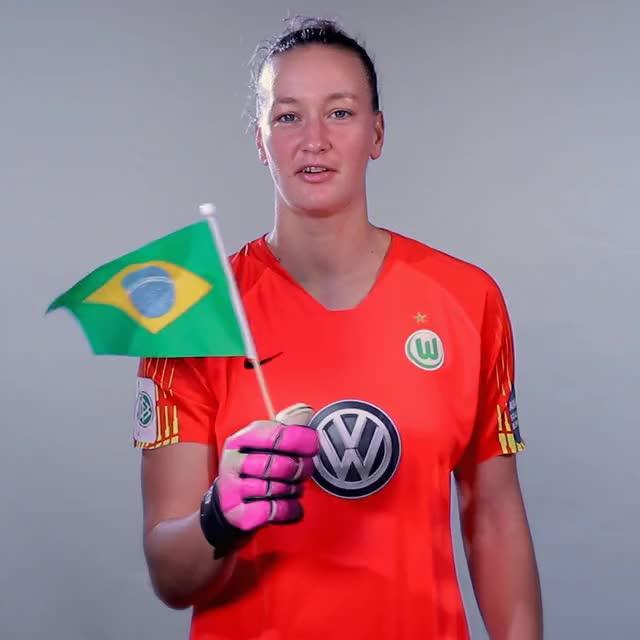Watch and share 01 Flag BRA GIFs by VfL Wolfsburg on Gfycat