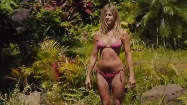 Hollywood SUPER cougar Jennifer Aniston showing off her stunning bikini body, amazing boobs, super tight little ass :) WOW