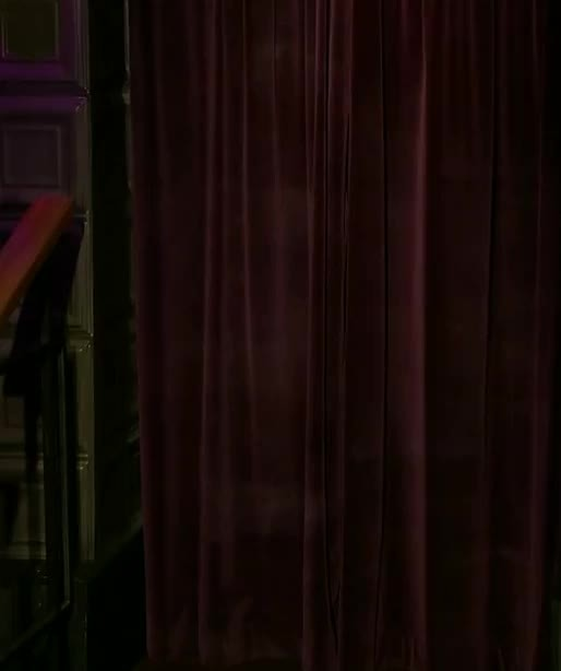 annakendrick, down the stairs (reddit) GIFs