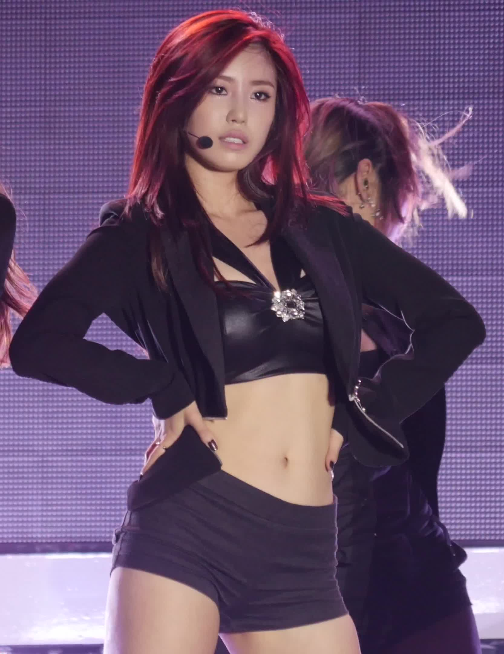 Jeong Hyosung Gifs Search | Search & Share on Homdor