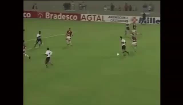 Watch and share Internacional 1 X 2 Flamengo (Campeonato Brasileiro 1999) GIFs on Gfycat