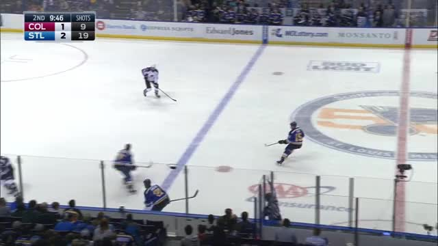 Reaves hit against Avalanche 11/6/16
