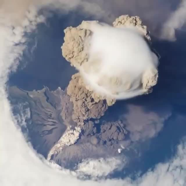 r/sciences, This is an accelerated view of the huge eruption of Sarychev volcano (Russia) in 2009, as seen from the International Space GIFs