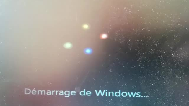 Watch and share Fastest Windows Boot Logo Ever GIFs by cleyfaye on Gfycat