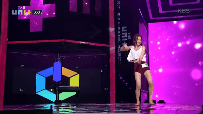 Hết Taemin nức nở, đến lượt HyunA nghẹn ngào trao đối mặt với bạn đồng môn tại show cứu vớt thần tượng The Unit