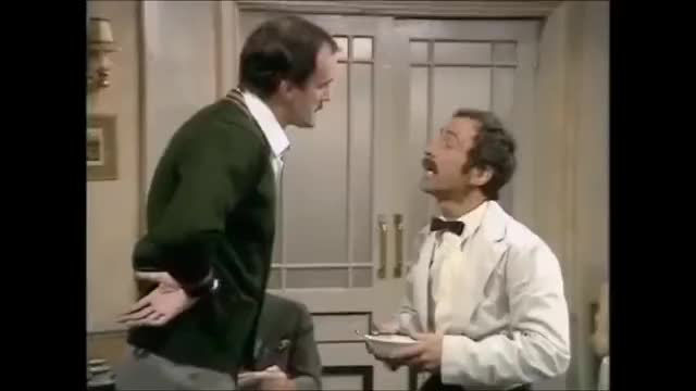 Watch Manuel: Que? GIF by Kerry Stern (@pearler) on Gfycat. Discover more Fawlty Towers, Film & Animation, John Cleese, Manuel, Que, Waczak Szálló, hrczgzsf GIFs on Gfycat