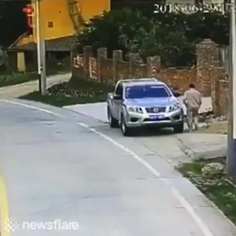Gabelolguy, It just appeared from nowhere! (X-post from r/IdiotsInCars) GIFs