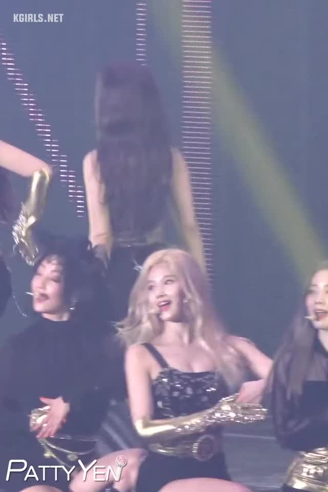 Watch and share Sana-twice-190526con-4-www.kgirls.net GIFs by KGIRLS on Gfycat
