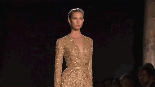Watch this runway GIF on Gfycat. Discover more runway GIFs on Gfycat