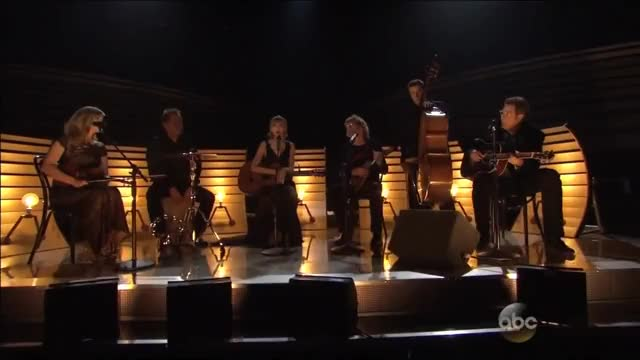 Taylor Swift - Red Acoustic with Alison Krauss & Vince Gill at the