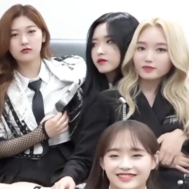 Watch and share Y2mate-com - 이달의소녀탐구 612 LOONA TV 612 1080p GIFs by LOOΠΔ's Pika-Chuu on Gfycat