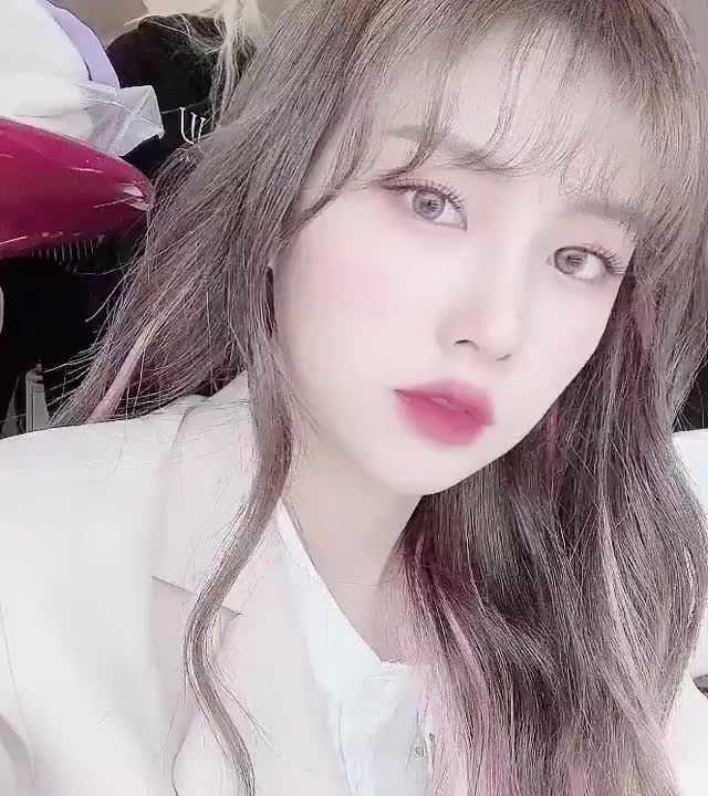 Watch and share Hyewon GIFs and Izone GIFs by TimShin on Gfycat