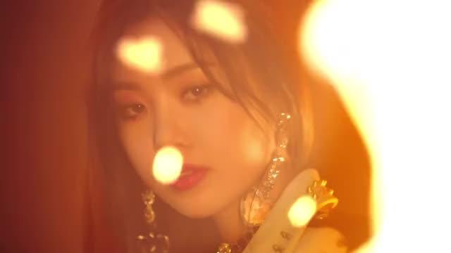 Watch [MV] (G)I-DLE((여자)아이들) _ Senorita GIF on Gfycat. Discover more 1theK, Kpop, MV, Teaser, loen, 로엔, 뮤비, 신곡, 원더케이, 티져 GIFs on Gfycat